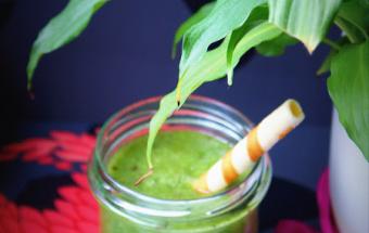 Зеленый коктейль из шпината …