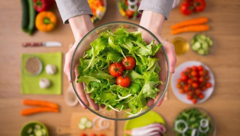 Картинки по запроÑу Cтоит ли веÑной налегать на витамины?