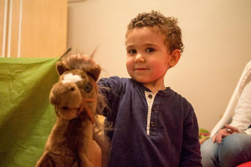 В иорданском доме, где в месяц на семью тратят $7433, любимой игрушкой является большая мягкая игрушка в мире, дети, игрушка, люди, страны
