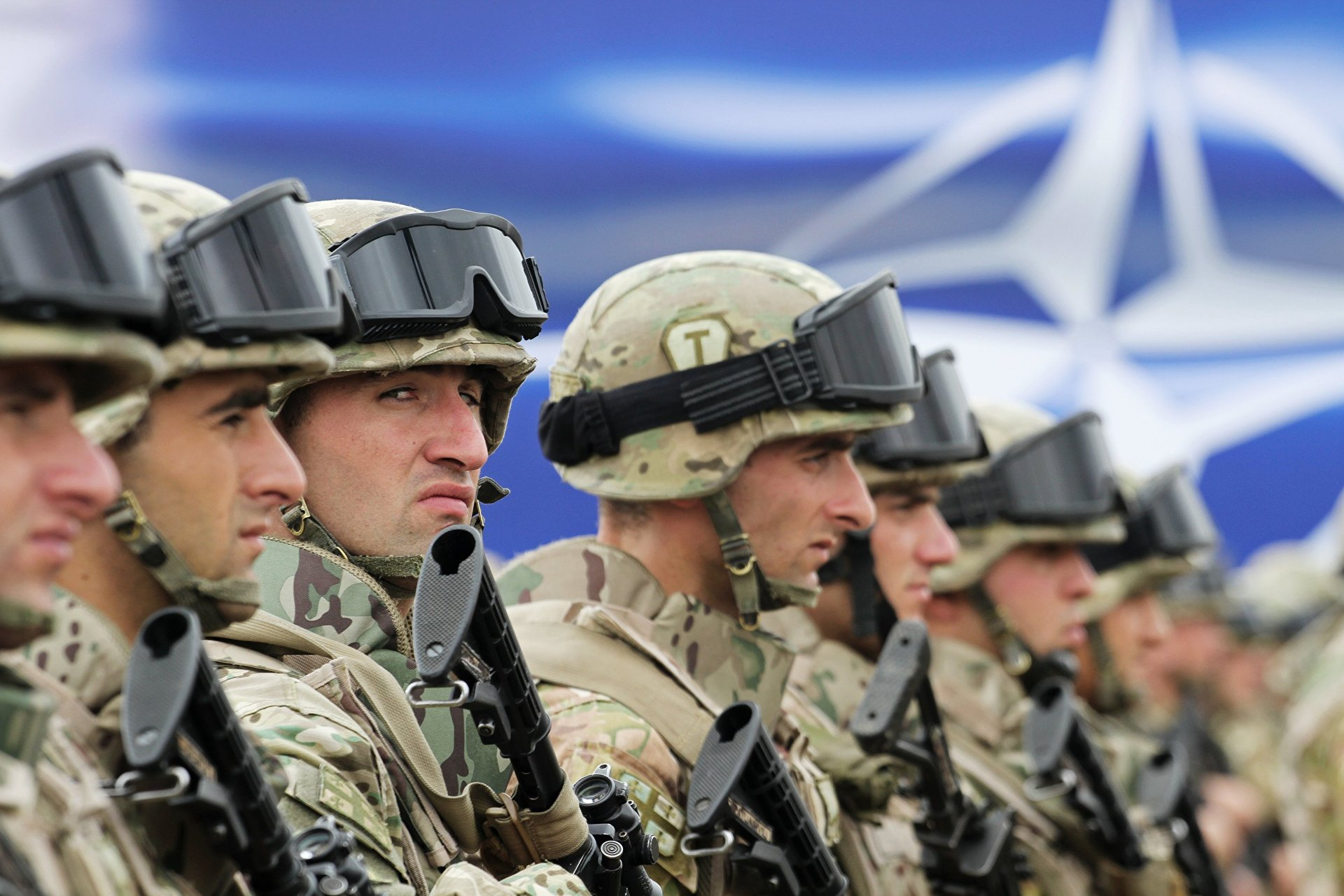 НАТО просит денег