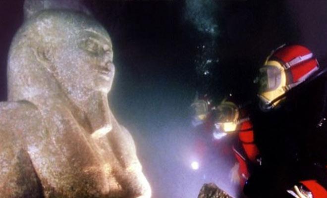 Дайверы нашли затерянный город, ушедший под воду тысячи лет назад