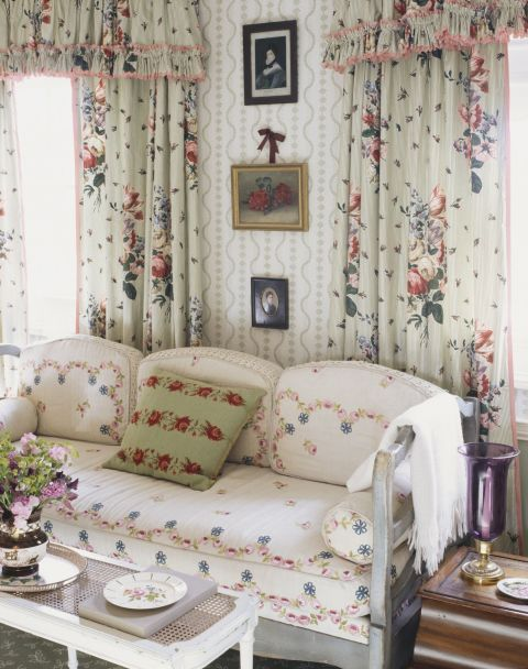 1490289590-home-trends-floral-overload-1490208383