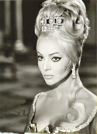 Королева драмы - Сара Монтьель.