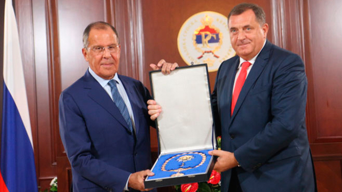 Додик наградил Лаврова орденом Республики Сербской