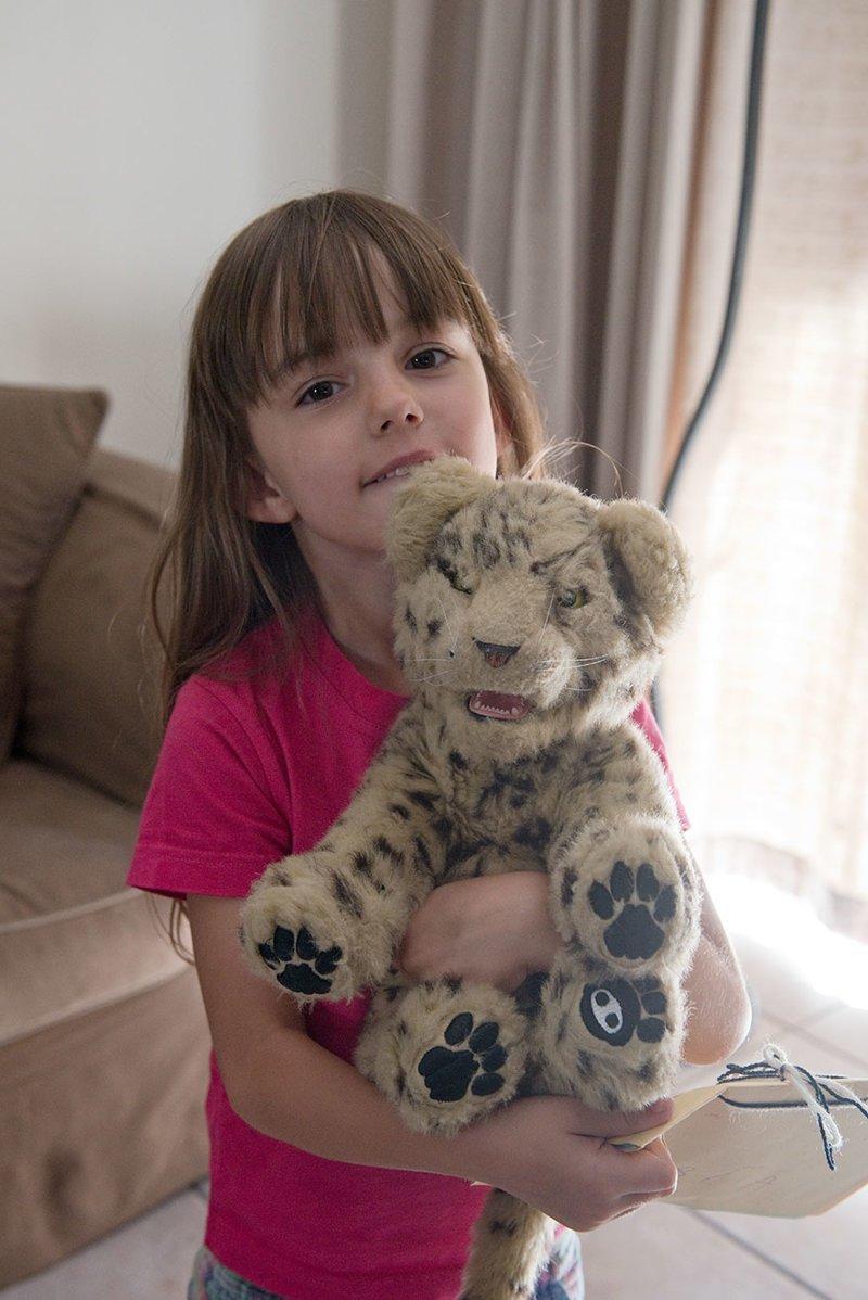 В южноафриканском доме, где в месяц на семью тратят $2862, любимая игрушка — мягкая игрушка в мире, дети, игрушка, люди, страны