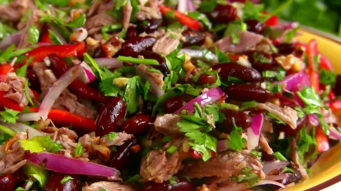 Вкусный, сытный и питательный салат.  Фото: google.ru.