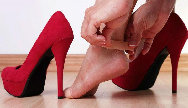 Я — сапожник. И я знаю 5 способов растянуть узкую обувь