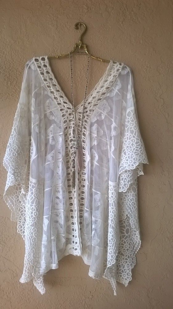 FREE PEOPLE LACE AND CROCHET GYPSY ROMANTIC CAPE SLEEVE BEACH TUNIC: