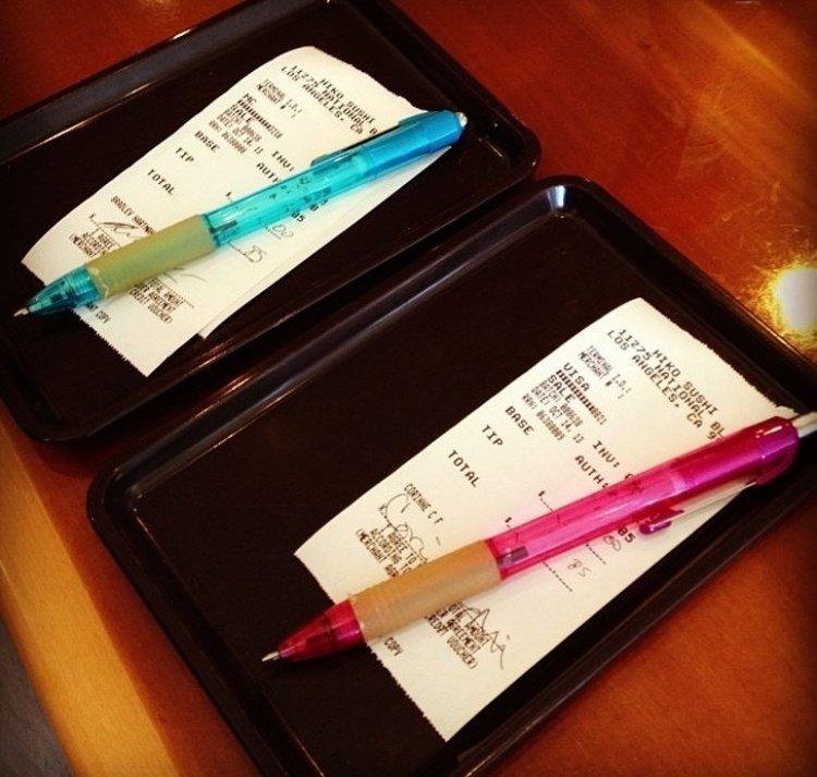4. В ресторанах можно платить кредитной карточкой, не используя пин-код, а всего лишь поставив свою подпись. америка, американцы, в мире, подборка, привычки, разные страны, сша, традиции