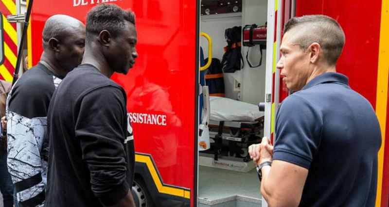 «Человек-паук» из Мали получил документы и поступил на стажировку в пожарную бригаду
