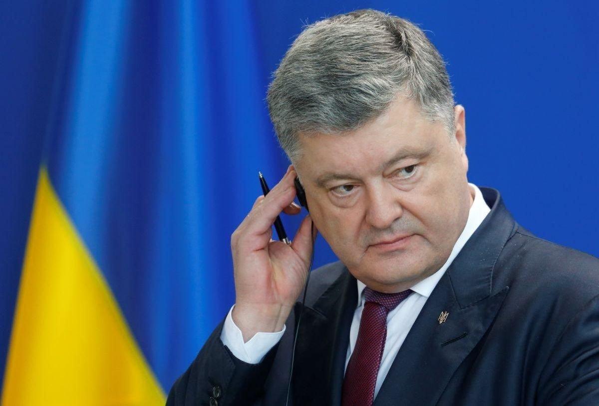 Запад требует расследовать коррупционные схемы Порошенко