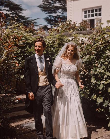 В Сети появился новый снимок со свадьбы принцессы Беатрис и Эдоардо Мапелли Моцци Монархи,Британские монархи