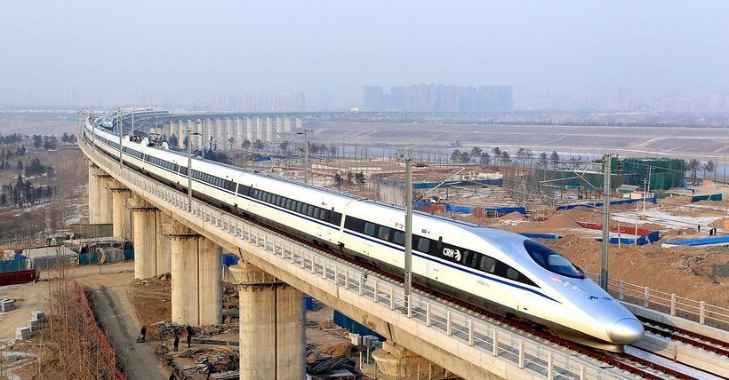 Даньян-Куньшаньский виадук — самый длинный железнодорожный мост в мире
