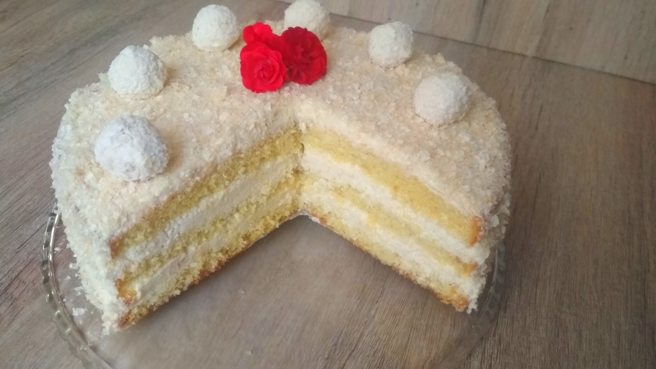 Самый кокосовый торт. Невесомый, нежный и ароматный!
