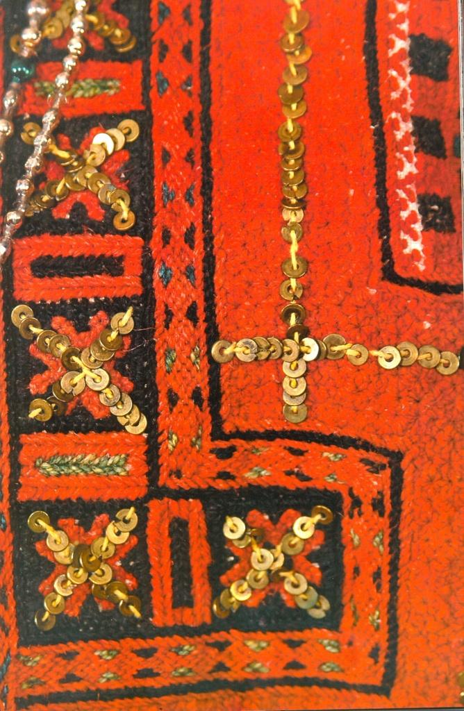 Финно-угорский орнамент в вышивке