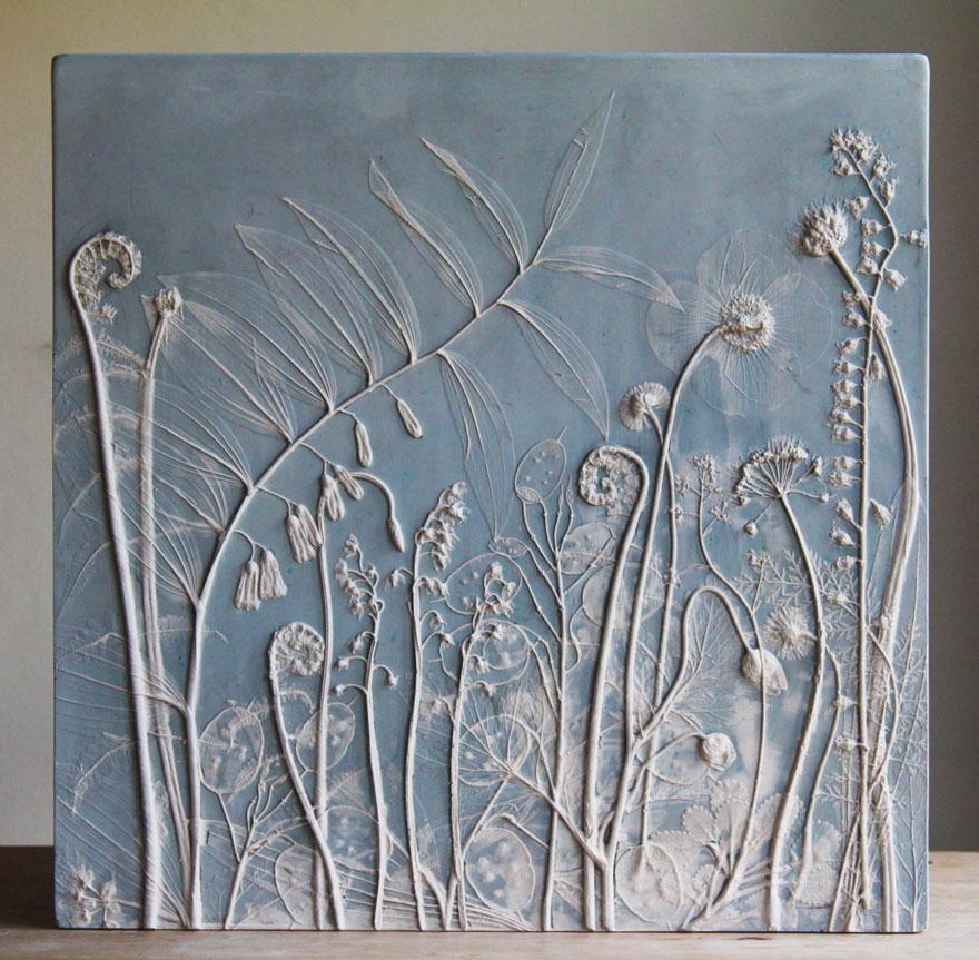 Художница создаёт искусные «окаменелости», используя живые растения и гипс