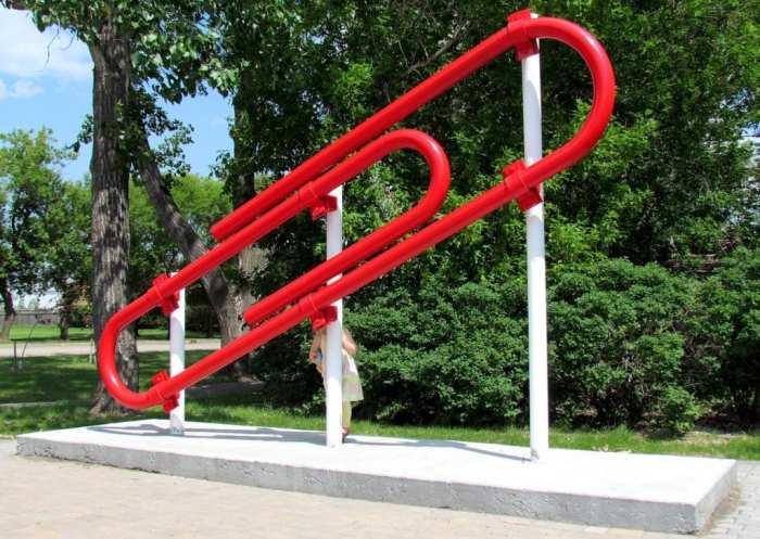 Простая красная скрепка может круто изменить жизнь. /Фото: listverse-wpengine.netdna-ssl.com