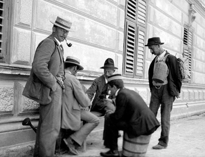 Праздные мужчины, Германия ХХ век, винтаж, восстановленные фотографии, европа, кусочки истории, путешествия, старые снимки, фото