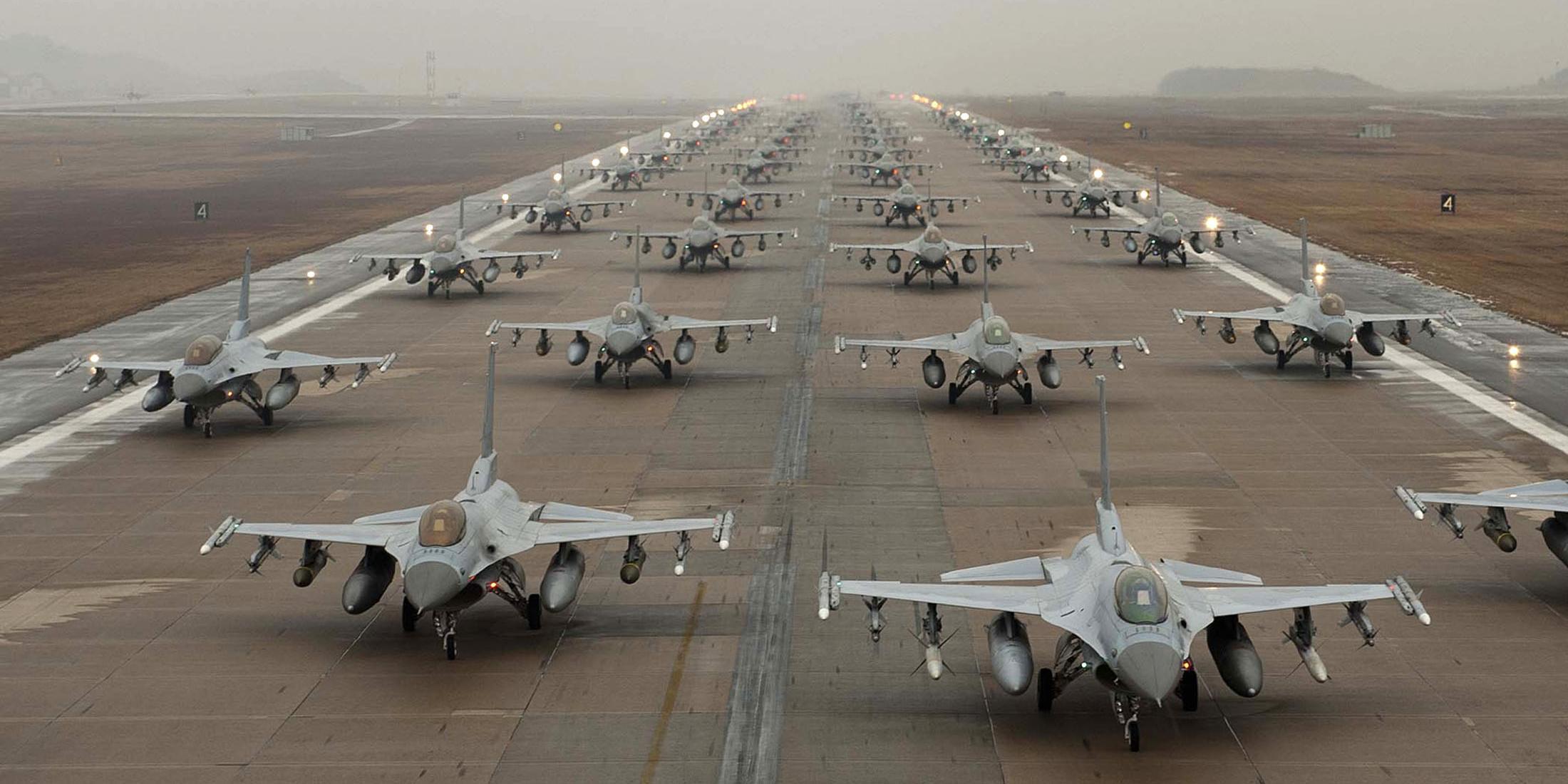 У границ России появился ударный наступательный кулак НАТО