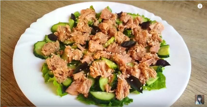 Легкий салат с тунцом. Быстрый и полезный ужин