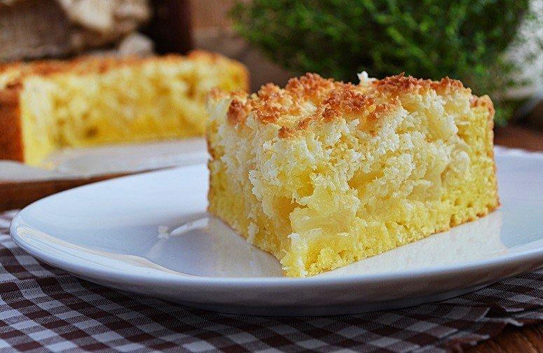 Творожной пирог с яблоками и кокосовой карамелью