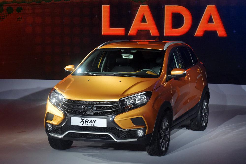 """АвтоВАЗ назвал цены на """"вседорожный"""" Lada Xray"""