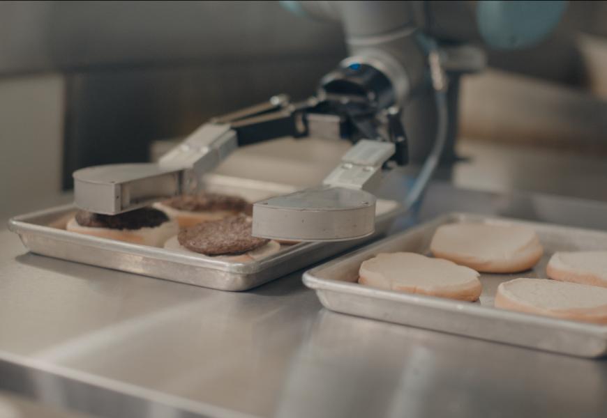 Робот-гамбургерщик снова работает