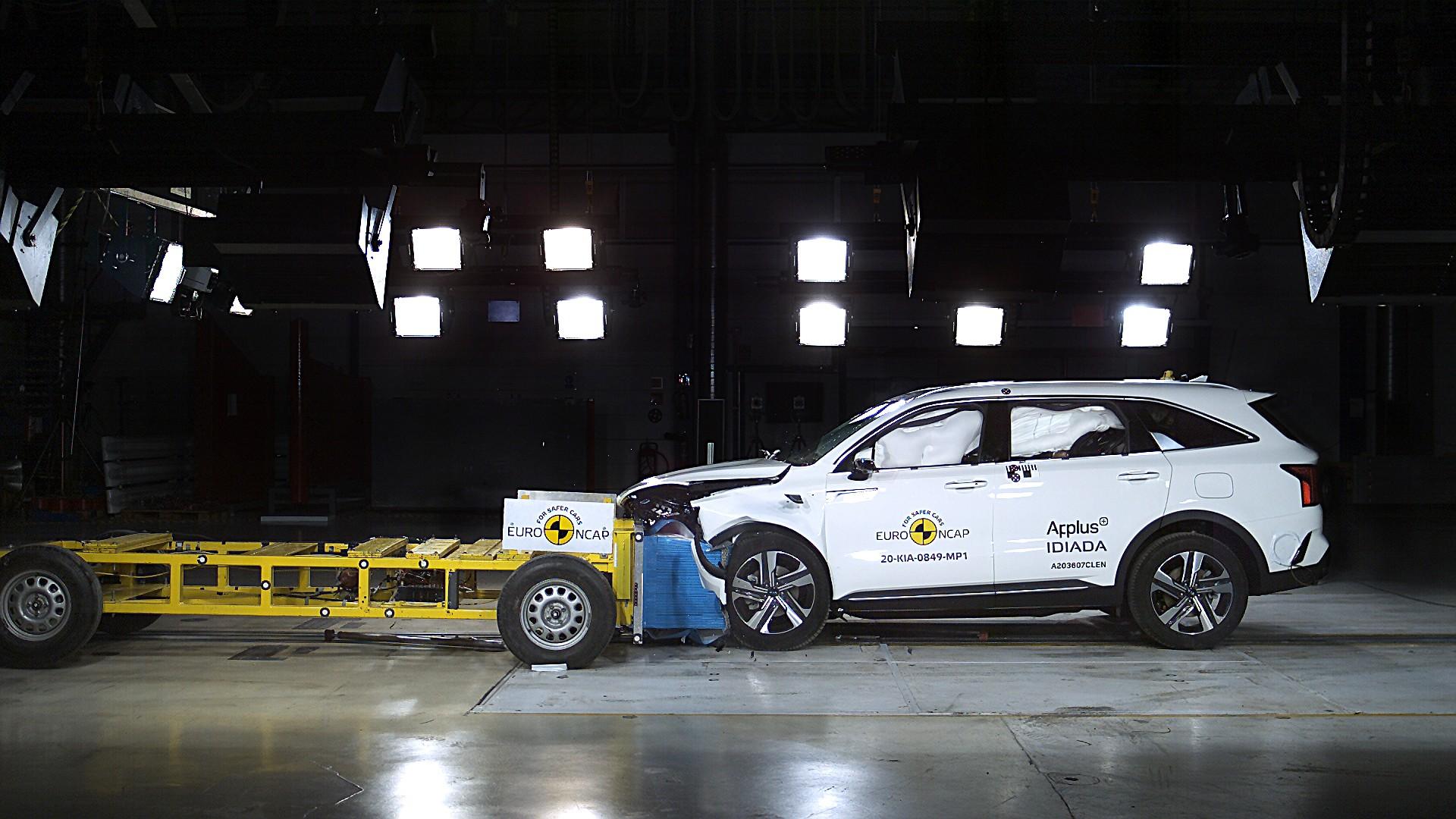 Kia Sorento в тестах Euro NCAP: серьёзные проблемы на «встречке» и хорошая электроника аварии,авто,авто и мото,водителю на заметку,дтп,машины,новости автомира,пдд,Россия,тюнинг,штрафы и дтп