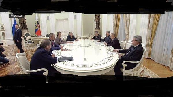 Как вели себя кандидаты в Президенты на встрече с Путиным. А на дебатах были смелыми!