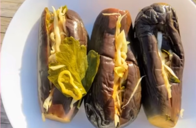 Квашеные баклажаны с капустной начинкой: изумительная заготовка на зиму