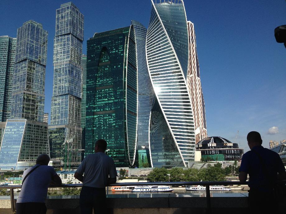 Средняя зарплата в Москве 63 тысяч рублей... Москвичи не рабы...
