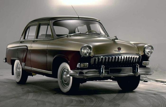 Ретро всегда в тренде: 10 неординарных автомобилей российских чиновников