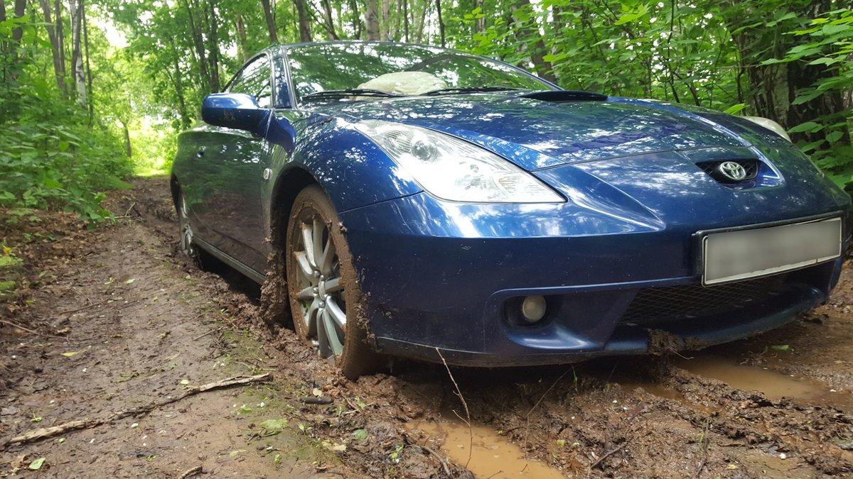 Как на переднеприводной машине ездить по грязи и не завязнуть?