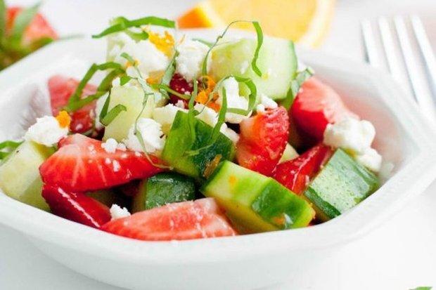 5 необычных и полезных салатов из огурцов