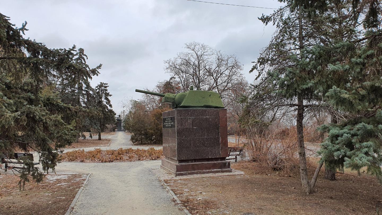 Линия обороны Сталинграда из 17-ти танковых башен в Волгограде