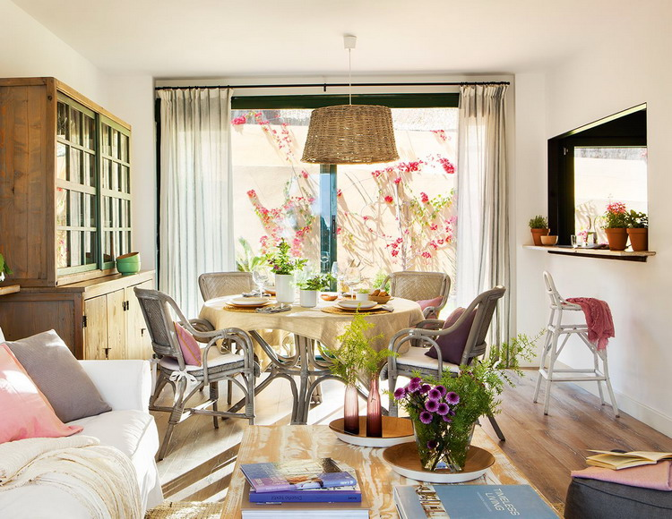 small-spanish-house-with-charming-terrace2