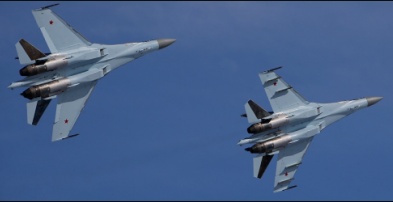 В Карелии истребители Су-35 успешно приземлились на условно поврежденный аэродром