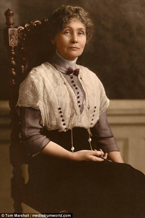 5. Эммелина Панкхерст, лидер английских суфражисток, 1913 год интересное, исторические фото, история, колоризация, колоризированные фото, суфражистки, факты, фото