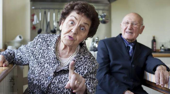Британка подала на развод из-за того, что муж долгие годы притворялся глухим