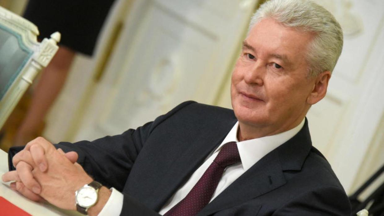 Собянин предупредил игнорирующие вакцинацию предприятия Москвы Общество