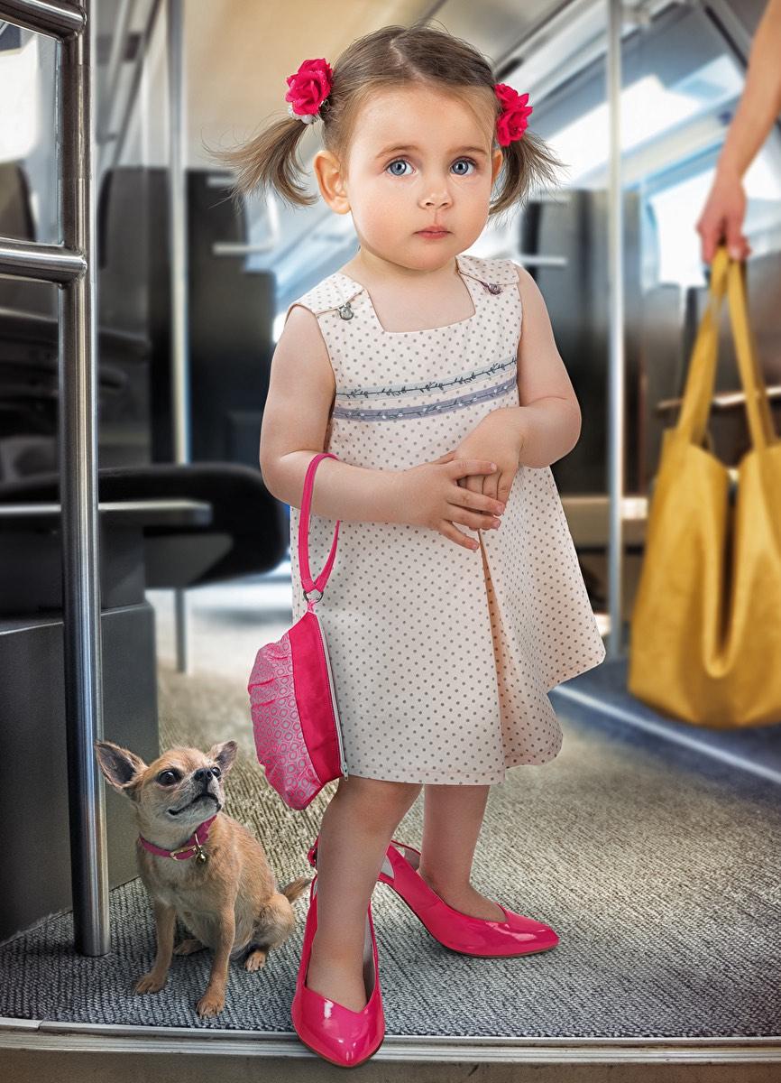 Дочка 4-х лет уступила место бабуле в автобусе: от смеха плакал весь салон