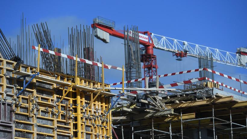 Объем работ в сфере строительства в Москве вырос за три месяца на 1,4%