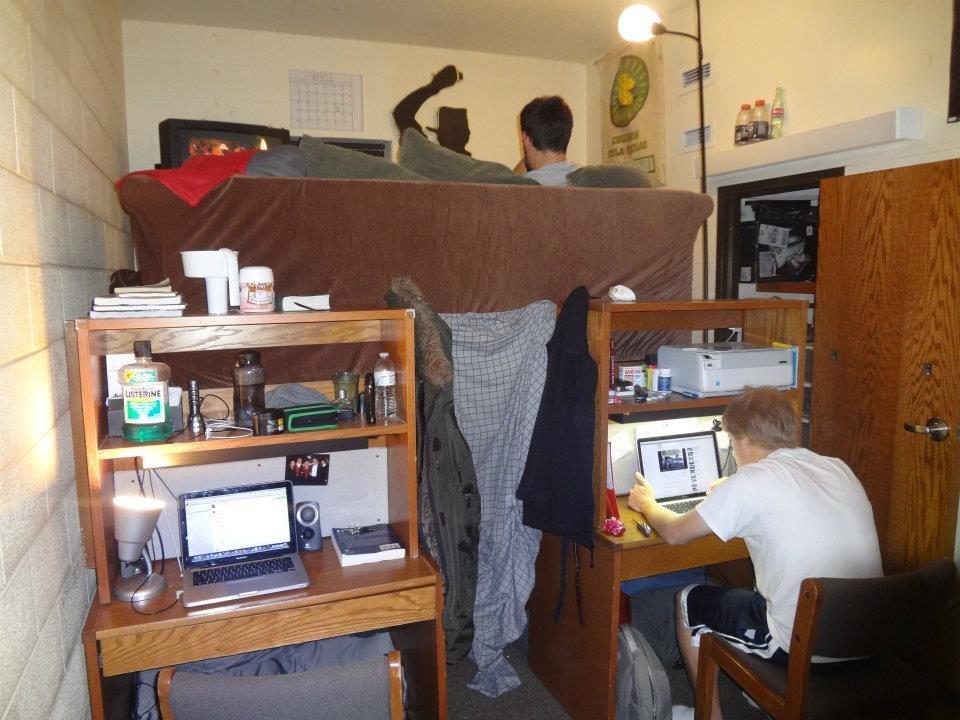 «Безбашенный отрыв!»: Кто жил в студенческом общежитии, тот поймет...