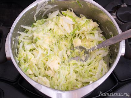 Запеканка из кабачков и плавленого сыра — 5 шаг