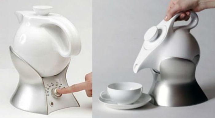 Обычный чайник слишком тяжелый.
