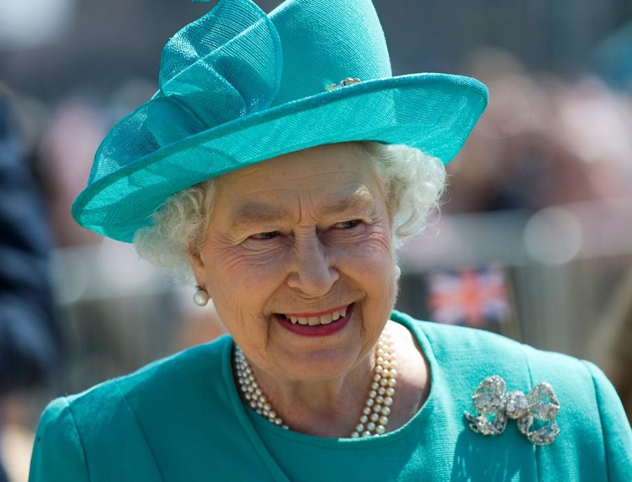 Королева озвучила вызванному на ковёр Джонсону свою волю