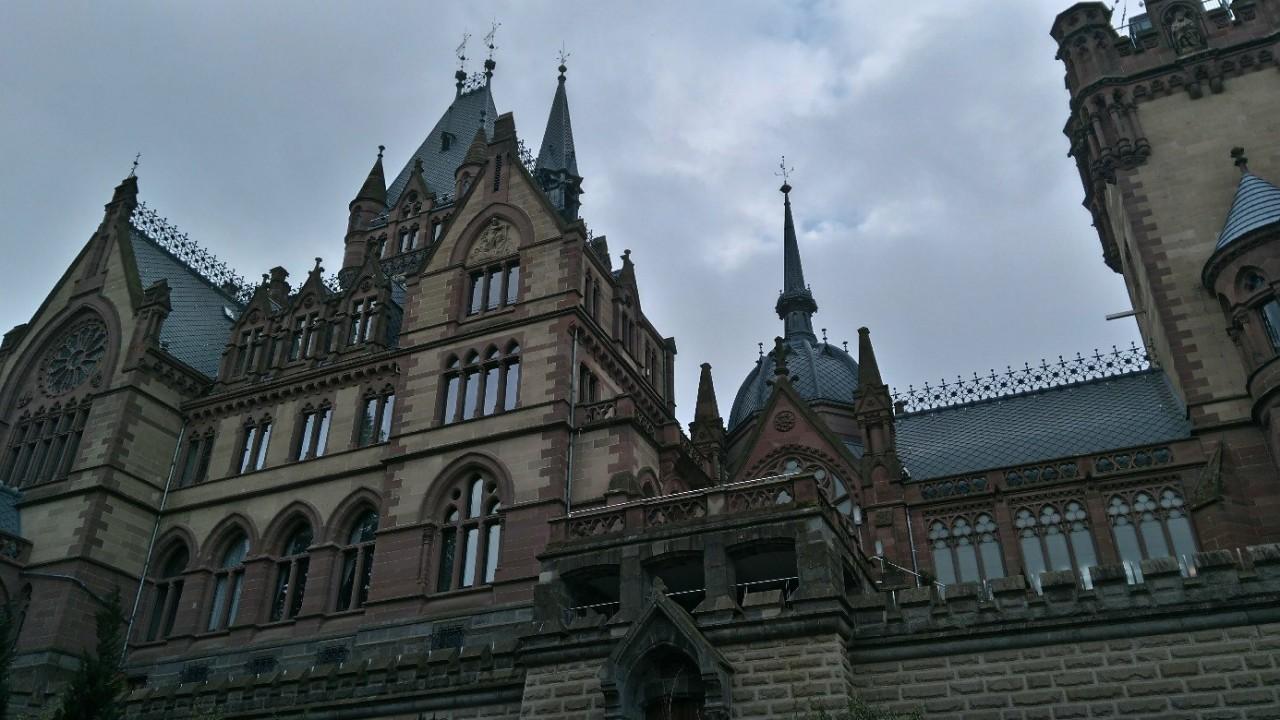 замок Драхенбург, Кенигсвинтер, Германия, Песнь о Нибелунгах, замок нибелунгов