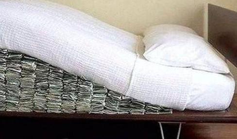 История из жизни: золотая свекровь деньги, одеяло, лекарства, гулять, знакомая, свекровь, сказали, когда, будет, знакомой, долго, подушках, домой, нужны, очень, новым, свекрови, денег, нужно, Свекровь