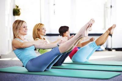 ДЕРЖИМ ФОРМУ. Тренировки для женщин. Упражнения Пилатес для начинающих