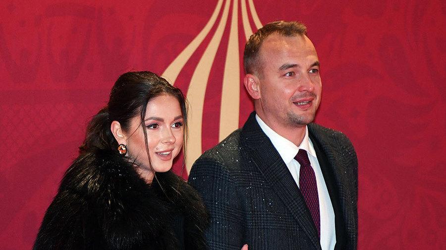 Нюша родила дочь, Градский стал отцом, Гагарина обидела поклонников, а Болдуин может загреметь в тюрьму